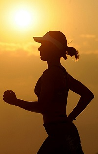 Fit durch Training auf dem Laufband